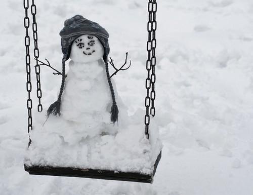 bonhomme-de-neige-balancoire