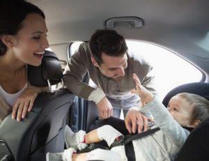 en voiture avec les enfants prot gez les en devenant un meilleur conducteur. Black Bedroom Furniture Sets. Home Design Ideas